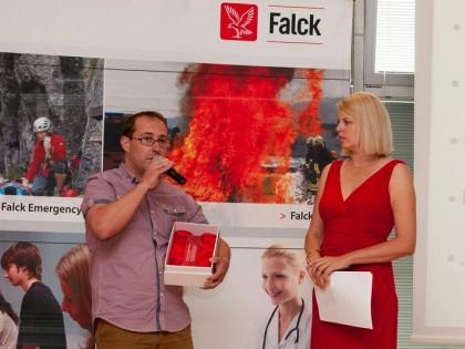 Sklené plakety pre najlepších zamestnancov Falck Emergency a.s.